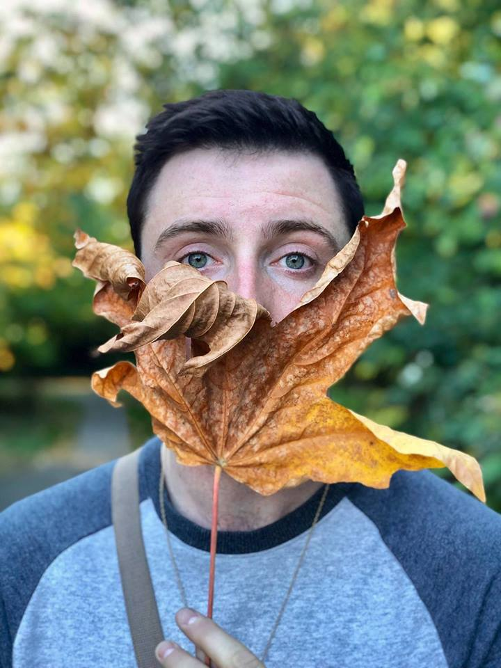 Who could leaf him alone?